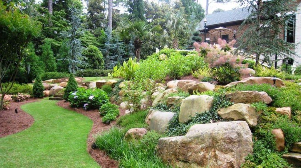 Il giardiniere braguti di caravate fiori e piante da - Alberi condominiali in giardini privati ...